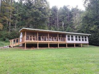 Getaway overlooking the New River in Todd - Todd vacation rentals