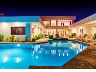 La Rosa Mega Mansion Only 4.5 mi. To Strip Sleeps 20 - Las Vegas vacation rentals