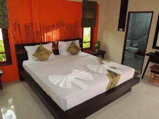 Villa Resort with Swimming Pool, 5-mins to Beach! - Ao Nang vacation rentals