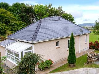 TIRIONFA, detached, all ground floor, large garden, walks from doorstep, in Talsarnau, Ref 914668 - Talsarnau vacation rentals