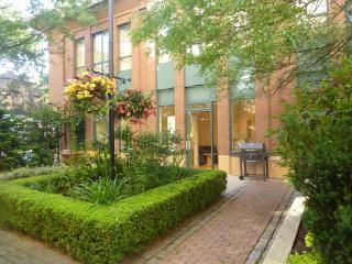 Private leafy Gastown suite for 4 w/ free parking - Vancouver vacation rentals