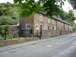 Carpenters Row - Holiday Cottage Ironbridge Gorge - Ironbridge vacation rentals