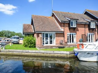 1 bedroom Cottage with Central Heating in Wroxham - Wroxham vacation rentals