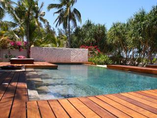 BLU BEACH PARADISE LUXURY VILLA ON THE BEACH - Jambiani vacation rentals