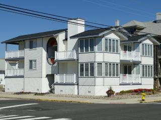 Bright 4 bedroom Apartment in Ocean City - Ocean City vacation rentals