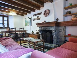 Arties duplex 6 personas ARA - Province of Lleida vacation rentals