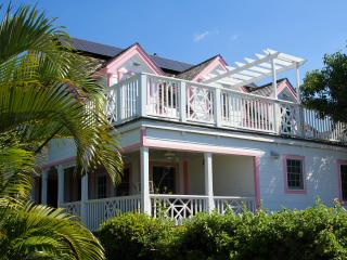 Bright 4 bedroom Harbour Island House with Internet Access - Harbour Island vacation rentals