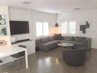 West Hollywood Adorable Modern 1-bedroom Cottage with Garden  (3400) - Los Angeles County vacation rentals