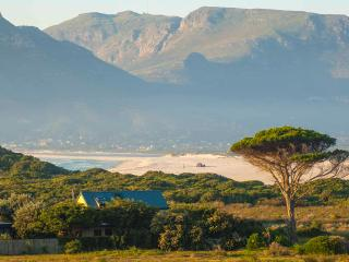 Southern Right Cottage-Beachfront Private Estate. - Western Cape vacation rentals