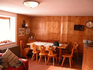Nice Gite with Microwave and Kettle - Breuil-Cervinia vacation rentals