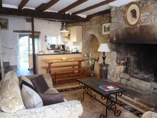 Charming 2 bedroom cottage - B002 - Cancale vacation rentals