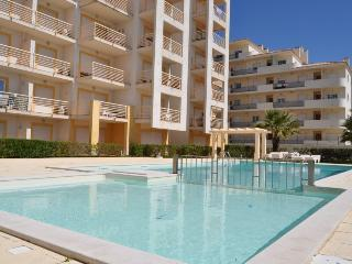 A Ver o Mar - Albufeira central apartment walking distance from the beach, reaturants, bars, strip, - Albufeira vacation rentals