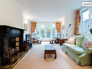 Family-friendly 4 bed home, Fulham - London vacation rentals