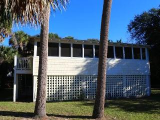 "1307 Chancellor St - ""Dog Days"" - Edisto Beach vacation rentals"