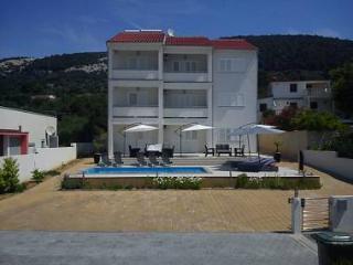 35700  A5(2+2) - Banjol - Island Rab vacation rentals