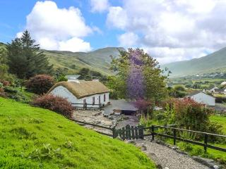 GRANNY KATE'S, character, detached cottage, open fire, wonderful views, near Ardara, Ref 915305 - Ardara vacation rentals