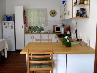 Gorgeous 1 bedroom Port Shepstone Cottage with Internet Access - Port Shepstone vacation rentals