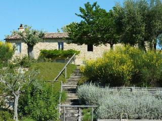 5 bedroom Villa with Internet Access in Santa Vittoria in Matenano - Santa Vittoria in Matenano vacation rentals