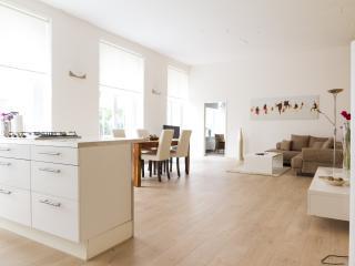1 bedroom Condo with Internet Access in Berlin - Berlin vacation rentals