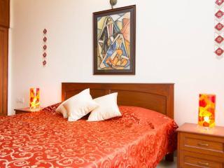 Earthen Shades  With Clifftop Sea Views - Luxury - Panaji vacation rentals
