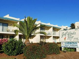 Gulf Winds East 44, Sleeps 10! Steps to the beach! - Destin vacation rentals