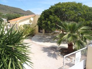 Ideal holiday house with pool and private garden - Lagun vacation rentals