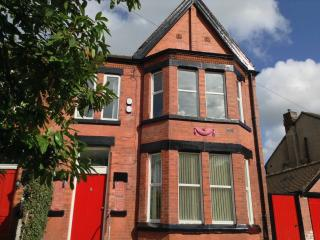 2 bedroom House with Deck in Liverpool - Liverpool vacation rentals