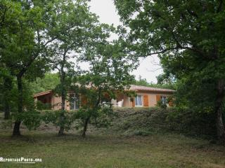 Cozy 3 bedroom Lauzerte Gite with Internet Access - Lauzerte vacation rentals