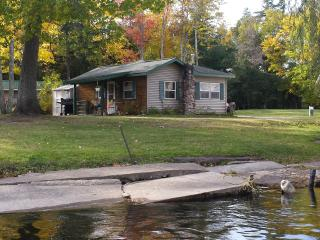 Cottage #7 on AuTrain River Near Lake Superior Pictured Rocks Beaches Waterfalls - Munising vacation rentals