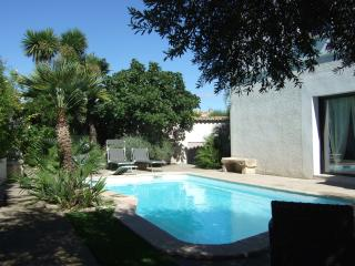 Spacious 3 Bed  Villa + Pool in Quaint Village - Nezignan l'Eveque vacation rentals