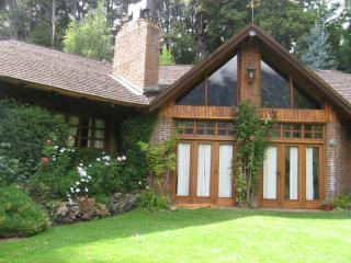 5 bedroom House with Central Heating in San Carlos de Bariloche - San Carlos de Bariloche vacation rentals