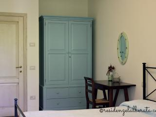 Residenze l'Alberata - Apartment Anna - Collepepe vacation rentals