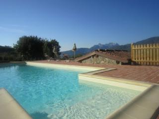 Lovely Barn with Internet Access and Satellite Or Cable TV - Castiglione Di Garfagnana vacation rentals