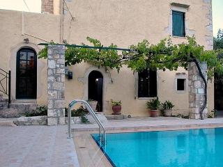 Old  village  house  with sharing  pool -dream 2 - Almyrida vacation rentals