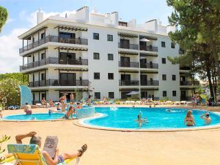 Apartamento T1, Praia da Falésia, Albufeira - Olhos de Agua vacation rentals