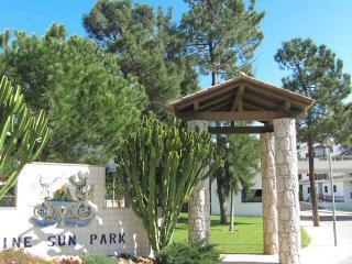 Pine Sun Park, Apartamento T2-Lt17-1_D, Praia da Falésia, Albufeira - Olhos de Agua vacation rentals