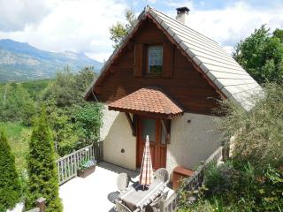 Nice Ski chalet with Internet Access and Television - Gap vacation rentals