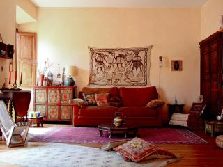 Charming Bright Apartment Colosseum - Rome vacation rentals