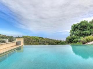 Outstanding Villa Cannes Californie with Sea Views, Pool & Jogging Track - Cannes vacation rentals