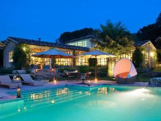 Splendid Farmhouse Il Moro in Orange Grove with Pool, Tennis & Staff - Agrigento vacation rentals