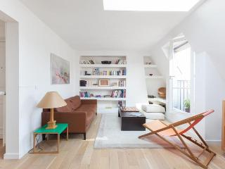 onefinestay - Boulevard Pereire apartment - Paris vacation rentals