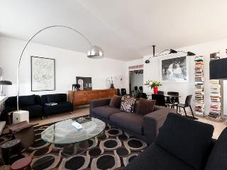 onefinestay - Rue du Cherche-Midi III apartment - Paris vacation rentals