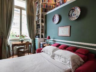 Rue Scheffer II - Paris vacation rentals