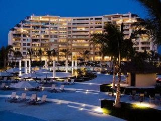 Beachfront Luxury Condo in 5 star Resort - Nuevo Vallarta vacation rentals