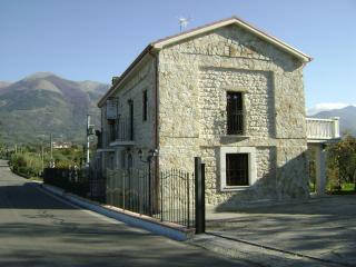 B&B THE WISHING WELL €30 P/P PER NOTTE - Gallinaro vacation rentals