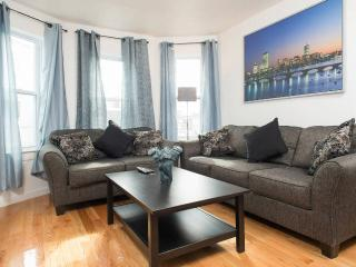 3 Bedroom 1 Bathroom Subway South End Alternative - Greater Boston vacation rentals