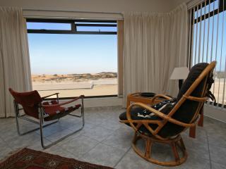 Cozy 2 bedroom Condo in Swakopmund with Internet Access - Swakopmund vacation rentals