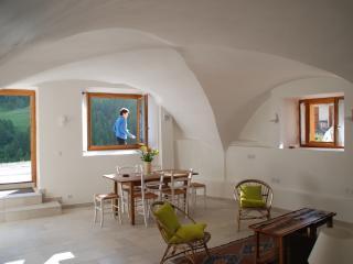LES VOÛTES - appartement neuf de 65 m² à Souliers - Molines-en-Queyras vacation rentals