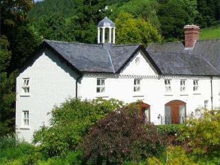 Forest Keep, Newtown, Mid Wales SY16 4DW. Superfast fibre WiFi - Newtown vacation rentals