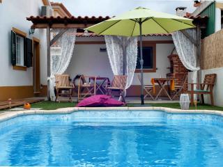 Charming 3 bedroom Guest house in Vila Nogueira de Azeitao - Vila Nogueira de Azeitao vacation rentals